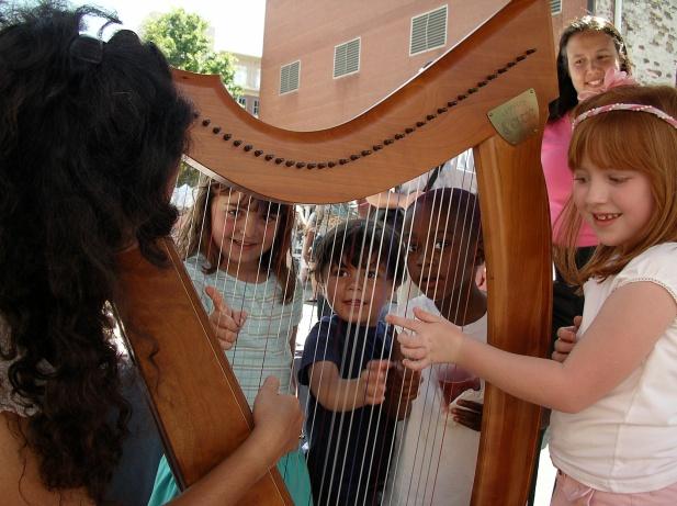 Hands-on harp. (hi-res)